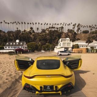 Aston Martin - Aston Martin VANTAGE